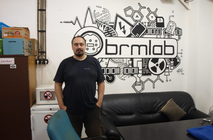 Hackerspace Brmlab: Svobodný prostor pro kreativní kutily