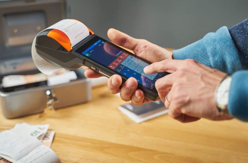 Hotovost, platební karta nebo stravenka. Jak jednotlivé možnosti placení hodnotí obchodníci?